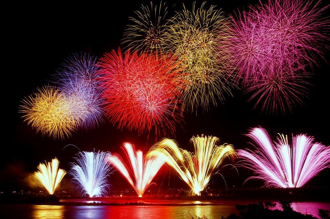 日本の花火がワイキキビーチで打ち上がる?!海外の花火事情
