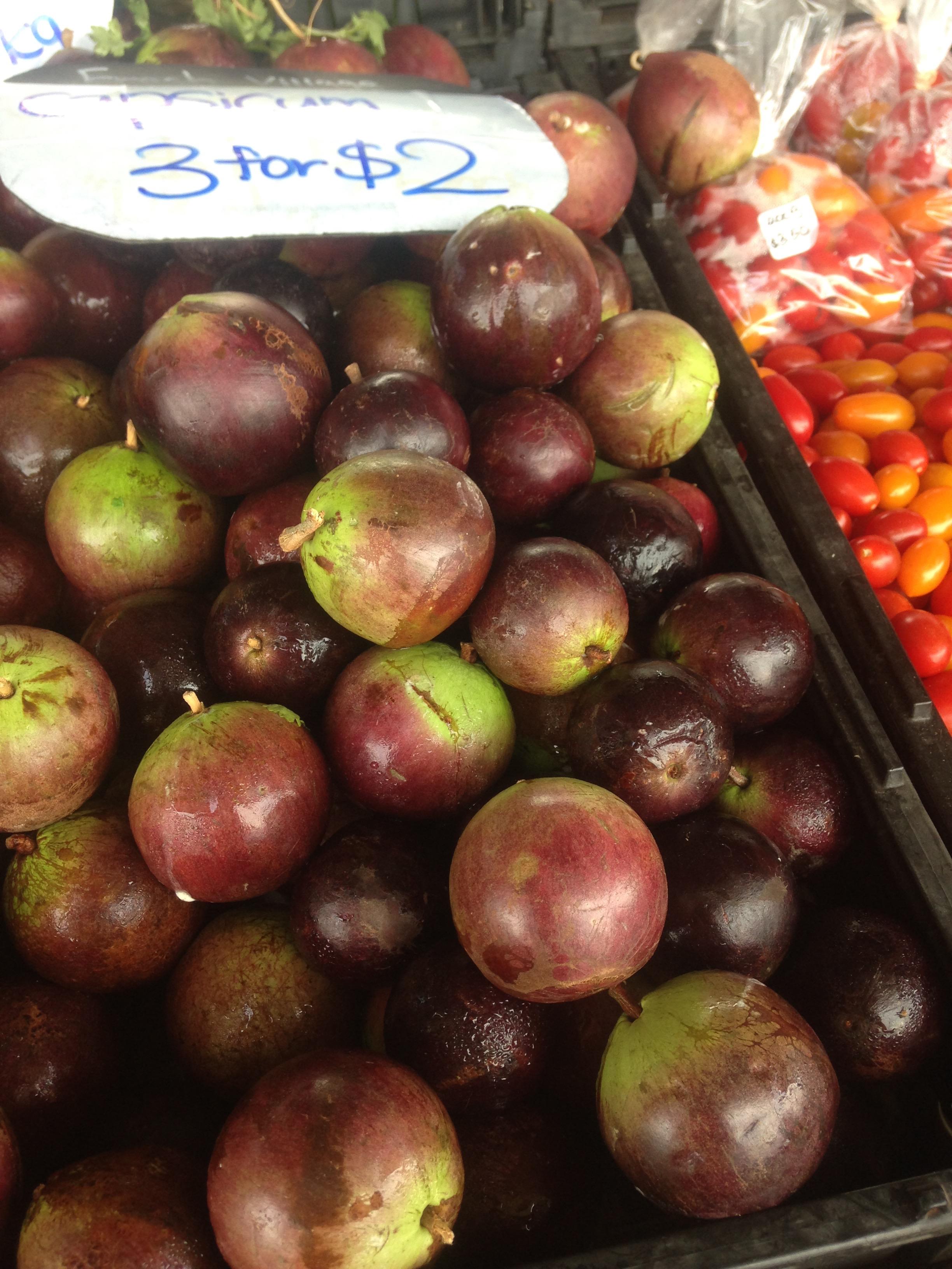 市場の野菜・果物2