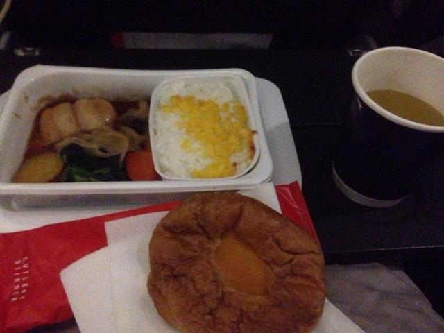 朝ごはんの機内食