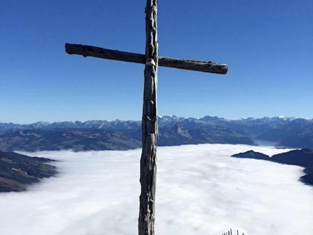 十字架がとても神秘的