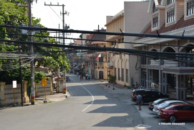 イントラムロスの東西を繋ぐメインストリート、ヴィクトリア通り