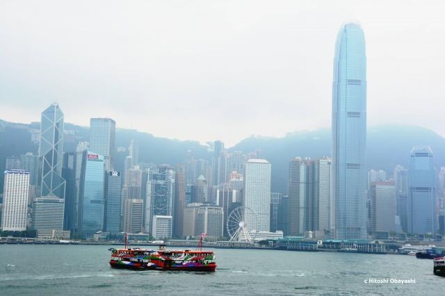 九龍から眺める香港島のセントラルとヴィクトリア・ピーク