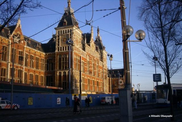 アムステルダム中央駅の正面玄関
