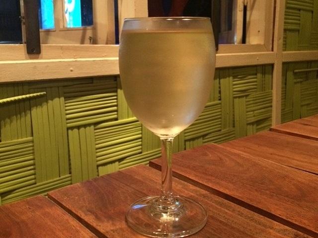 まずは白ワインで乾杯☆