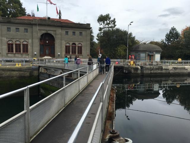 大小ある水門