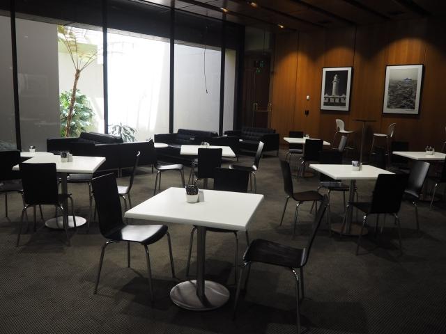 一般の方々も利用できる議事堂内のカフェ