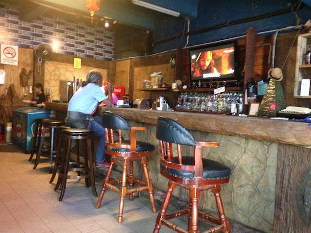 ロングステイヤーから旅行者、ローカルが集うカフェ