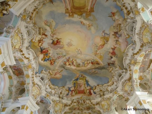 「天から降ってきた宝石」と呼ばれる天井画