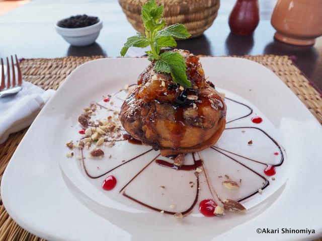 モロッコの伝統料理「パスティラ」を注文