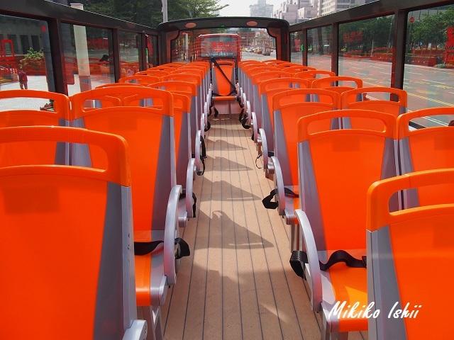オープントップエリアの座席