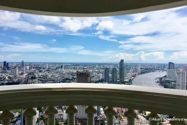 高層階のバルコニーで素晴らしい景色を!