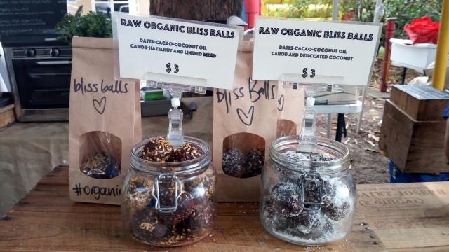 オーガニック製品を扱うカフェでもよく見かけるプロテインボール