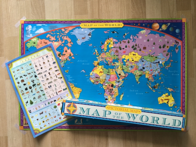 ラミネートされて丈夫な世界地図