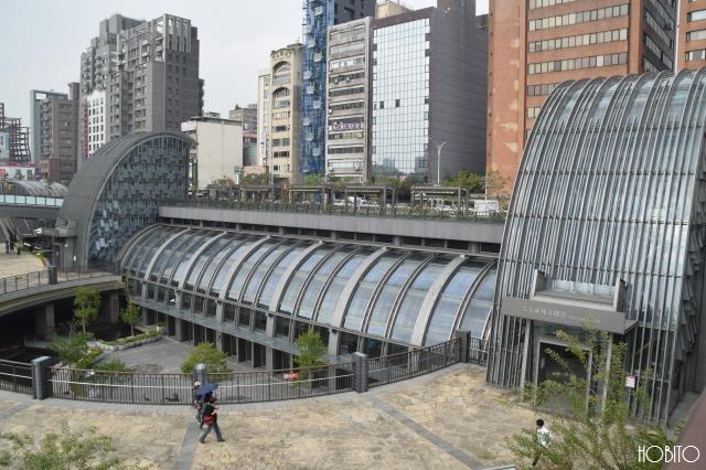 MRT淡水線の大安森林公園駅