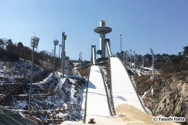 スキージャンプ競技を行うアルペンシアスキージャンプセンター