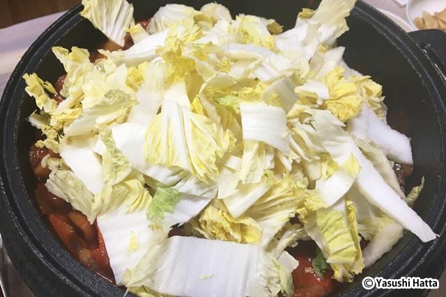 平昌名物のオサムプルコギ(スルメイカと豚肉の炒め物)