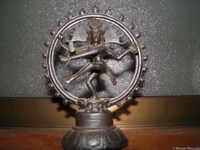 インド土産の定番、シヴァ神の像