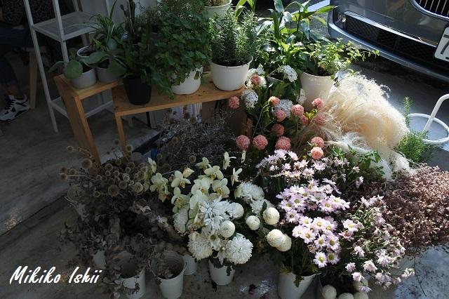 屋外の花のデコレーション