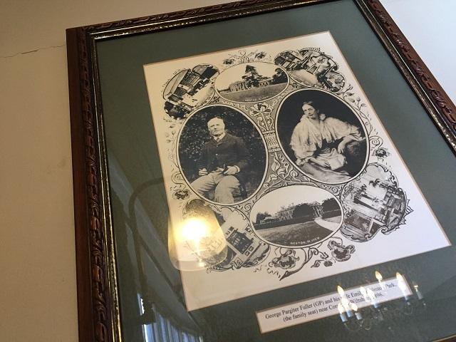 創業者フラー氏とその妻の肖像写真