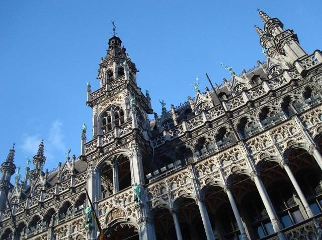 ブリュッセル私立博物館がある「王の家」