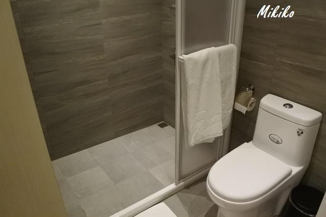 トイレ、シャワー付きの個室
