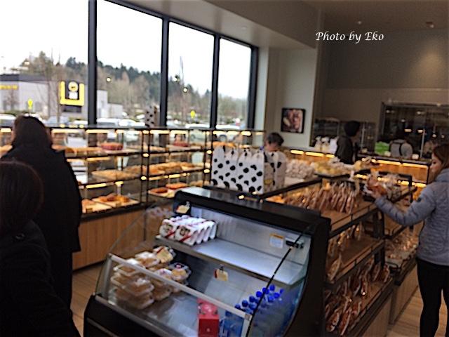 パン売り場とお客の流れ
