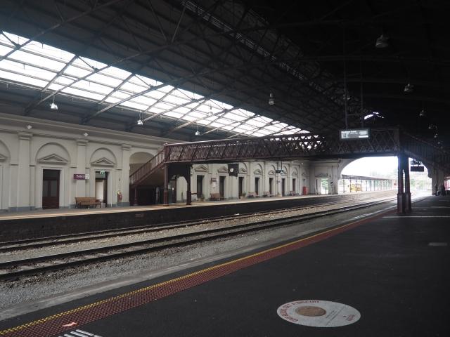 メルボルンから電車で1時間半ほどでバララットへ到着