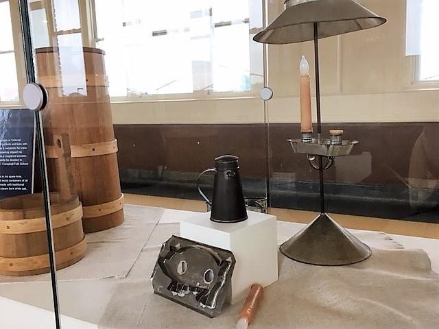 ランカスターのティンスミスやクーパーによる職人工芸の展示物