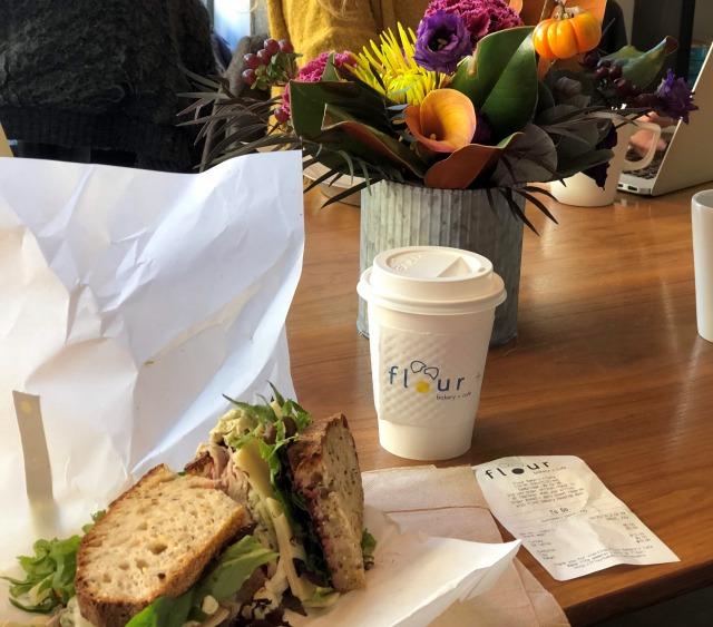 花と楽しむカフェ