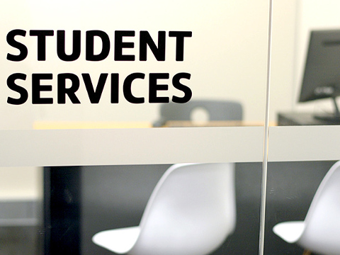 STUDENT SERVICES イメージ