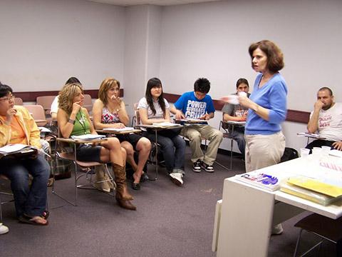 教師は楽しく真剣に学べるレッスンを心掛けています。
