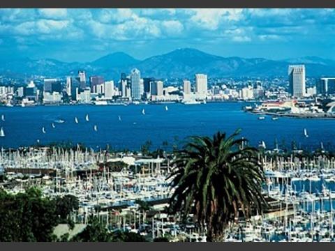 青い空、碧い海、典型的なサンディエゴの風景です。